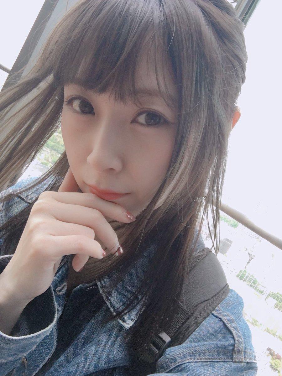 高柳明音's photo on avex