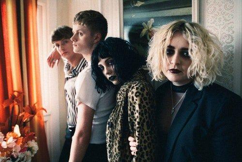 LISTEN: Pale Waves reveal new track, Kiss - gigslutz.co.uk/listen-pale-wa…