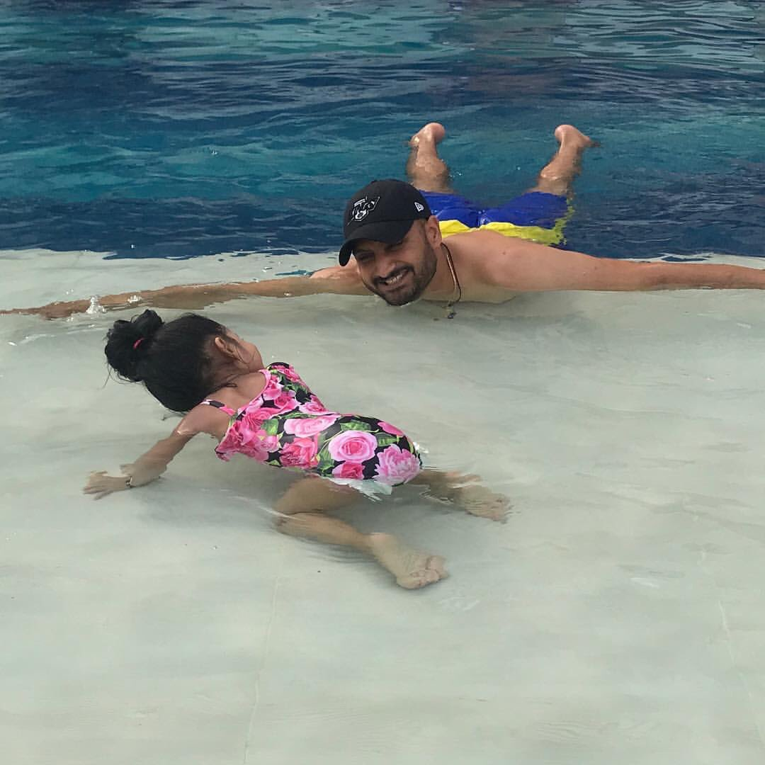 Swim time ゚マハ¬タヘ¬ルツᄌマ with NoNa ¬ンᄂᄌマ¬ンᄂᄌマ¬ンᄂᄌマ¬ンᄂᄌマ¬ンᄂᄌマ゚リリ゚リリ゚リリ゚リリ゚リリ #Hinayaheerplaha https://t.co/KV1F1gxrFw