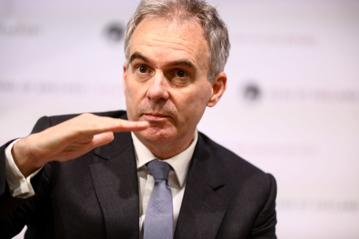 A deputy governor of the Bank of England says he's sorry for describing the British economy as 'menopausal' https://t.co/MdDVxu4Eyo