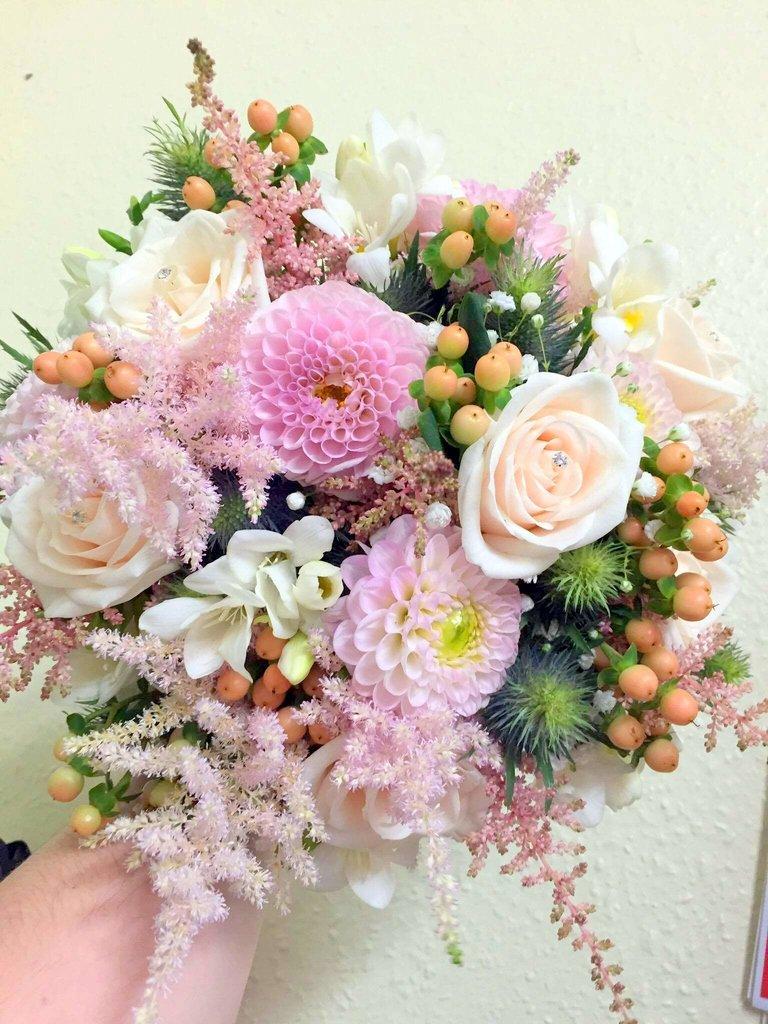 weddingflower hashtag on Twitter
