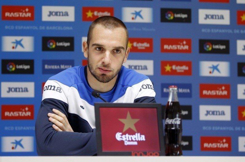 Juan's photo on Pau López