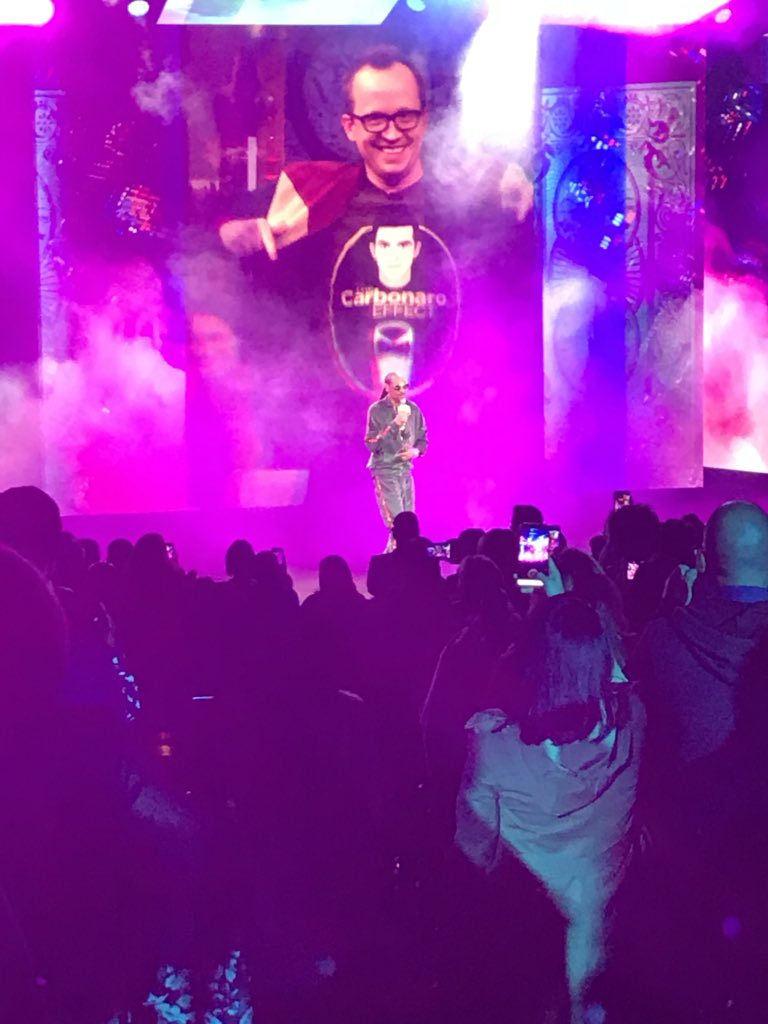 BOOM. The legendary @SnoopDogg closes out the #TurnerUpfront with a live hip hop performance!   (Nice cameo on the big screen from @ChrisGethard in his @M_Carbonaro shirt.) #Upfronts2018  #GinAndJuice<br>http://pic.twitter.com/auOOdnQIpM