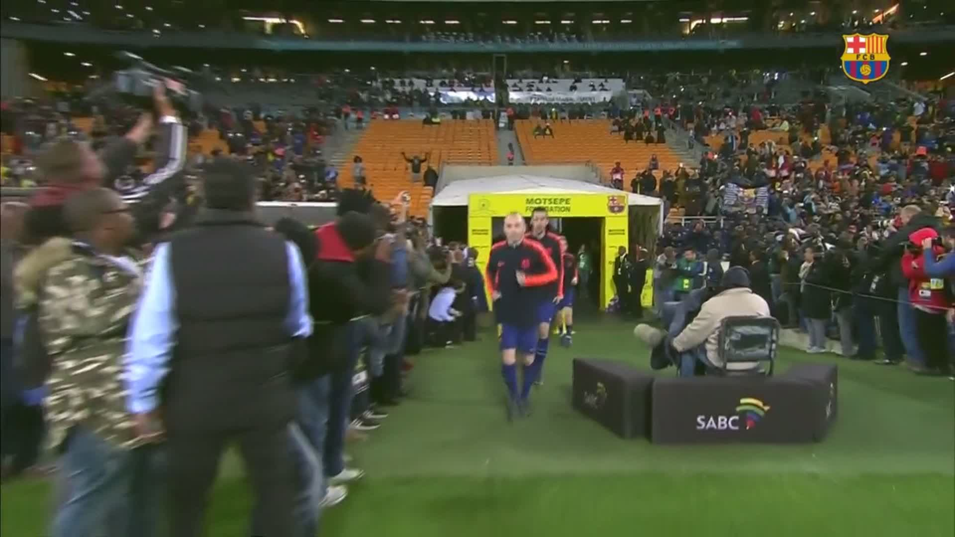 �� It's time to warm-up! #SundownsBarça ���� https://t.co/cF2GcCL3pB