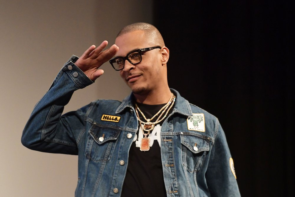 T.I. arrested for disorderly conduct, public drunkenness outside his gated community https://t.co/KNMeTIjTN6 https://t.co/0Bs6ykmx5H