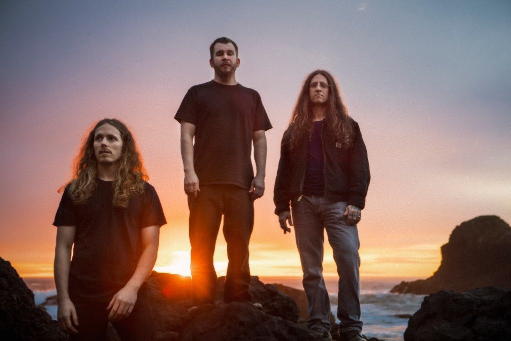 Check out doom metal kings Yob (@quantumyob)'s gorgeous new 14-minute song 'Our Raw Heart' https://t.co/iDDZb7Xpms https://t.co/80u2CjIP0H