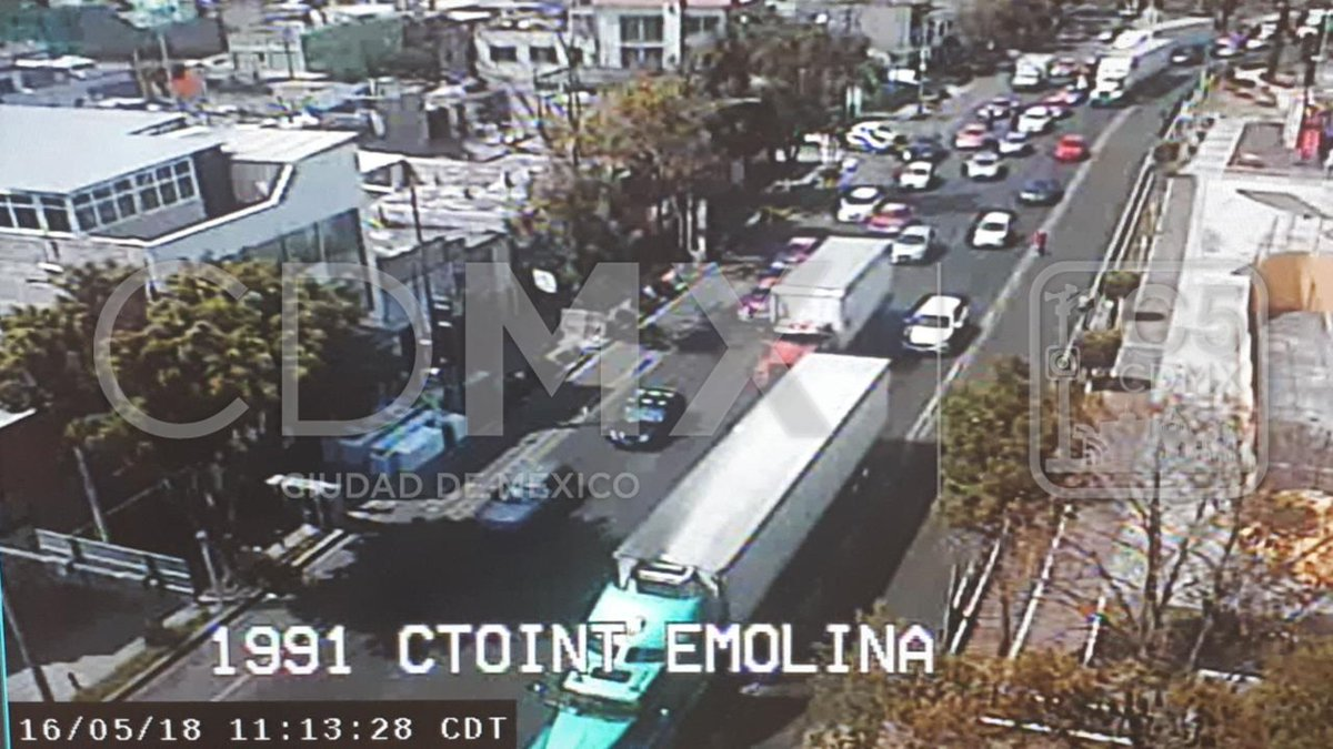 Circuito Y Eduardo Molina : Chocan tráiler y metrobús en eduardo molina paola virrueta youtube