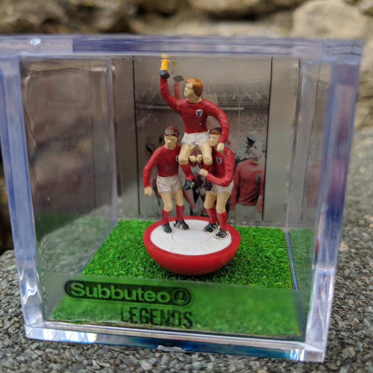 Sad news of Ray Wilson England&#39;s World Cup Winner in 1996 passing away today. #subbuteolegends #Subbuteo #worldcup1966 #raywilson <br>http://pic.twitter.com/khpaG0HuHO