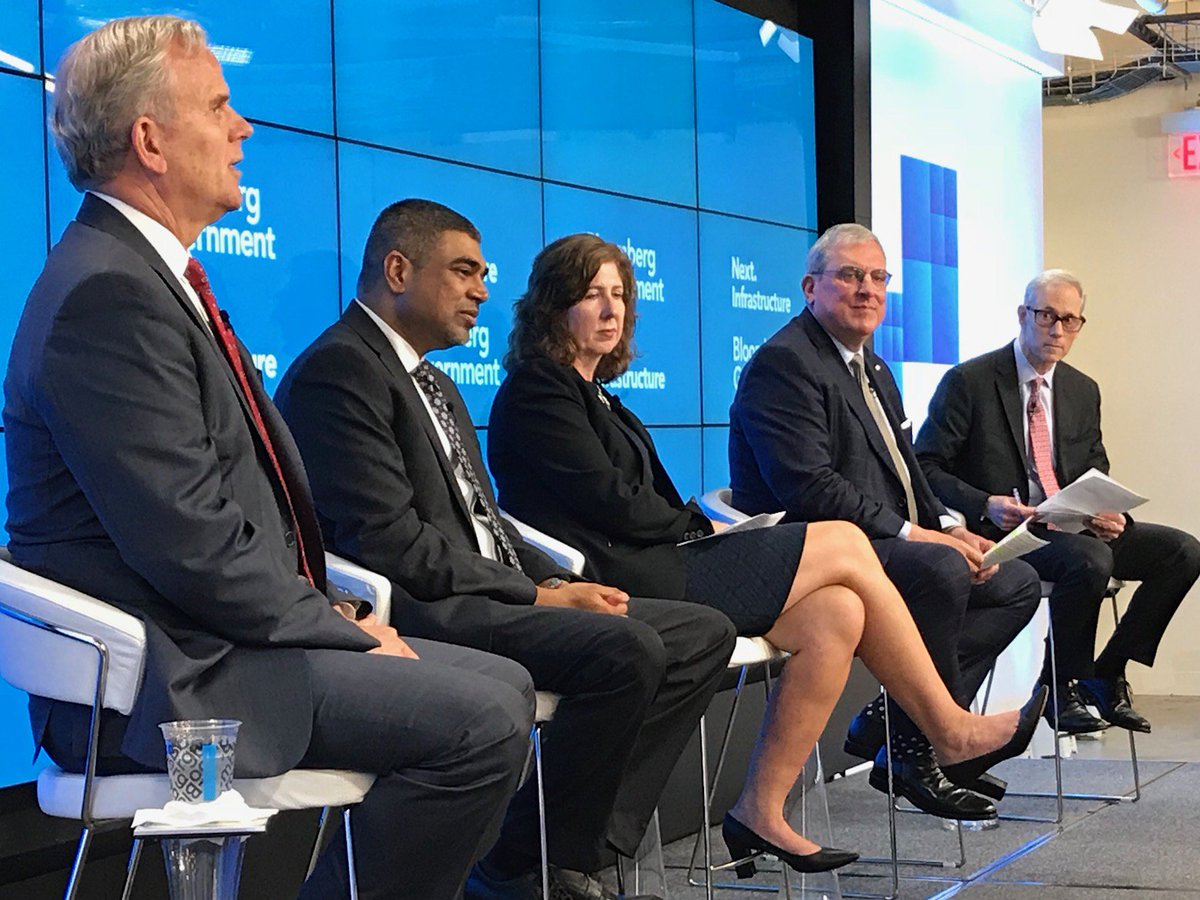 The #FAA's Dan Elwell at @BGOV&#39;s #drone conversation: We need to gather real operational #data to ensure drones integrate safely. If #drones operate in controlled airspace, they need to be identifiable &amp; trackable.  http:// bit.ly/2FJr9Bq  &nbsp;   #BloombergNext #InfrastructureWeek<br>http://pic.twitter.com/z4hbrW2szd