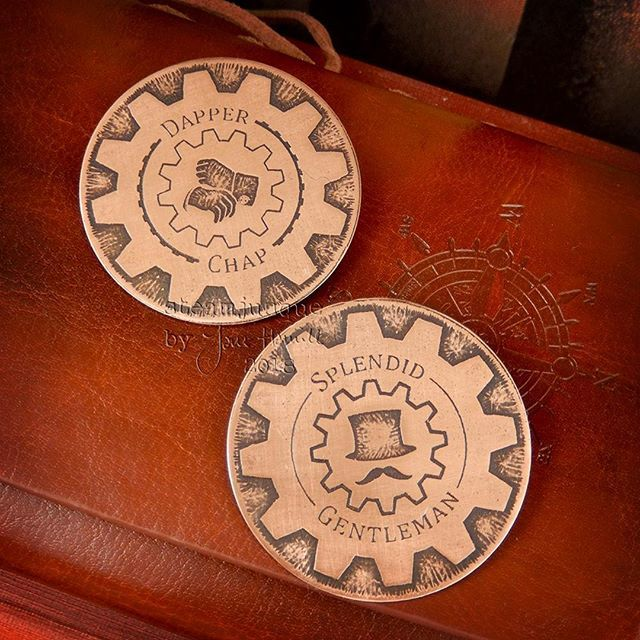 """Hello #handmadehour !  I'm taking part in an FB event this week, SHUK's """"Heroes"""" Father's Day themed showcase.  These badges are just two of the pieces I made specially for the event.  More info here >> https://t.co/mtfliz6Ysj << #steampunk #copperjewel… https://t.co/97vhMMrZkL"""