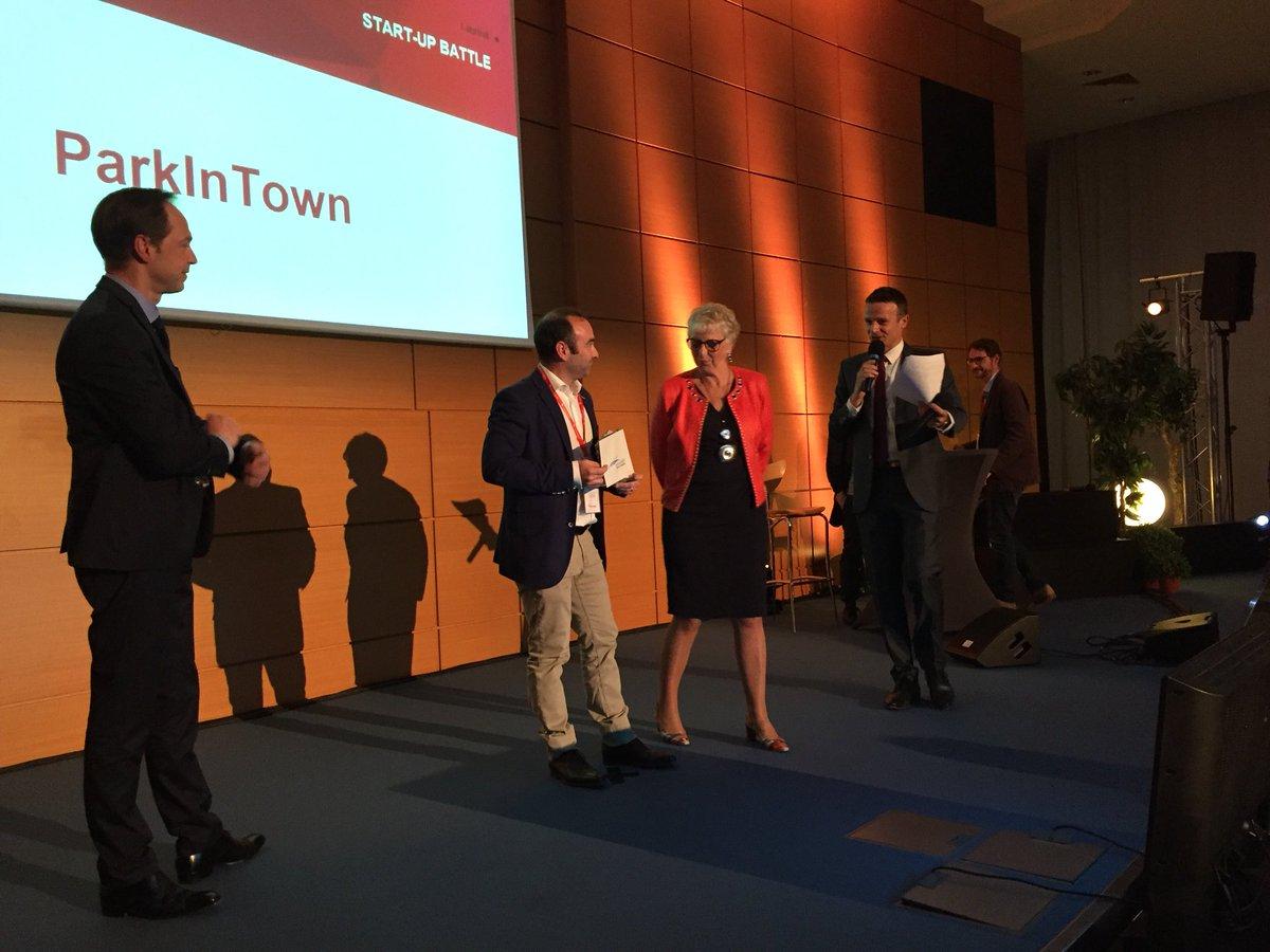 #trophees19 - Alexandre de Sousa remporte le prix du public avec son projet Parkingtown solution de parking intelligent.  - FestivalFocus
