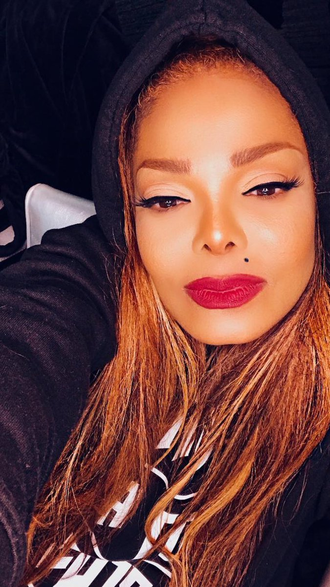 What kind of TIME TRAVELLER!?! Giving us janet. era two days before the 25th anniversary of the janet. album! #janet25 #Janet52 #ICON_JANET #HappyBirthdayJanet <br>http://pic.twitter.com/QgATux3xKf