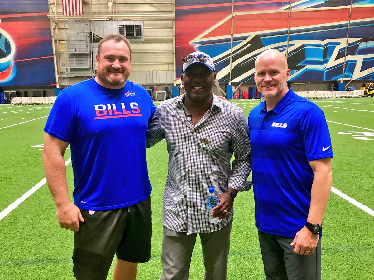 Thurman Thomas will have his jersey retired at our home MNF game this season. Congrats, @thurmanthomas! #GoBills<br>http://pic.twitter.com/VcSfCIMERZ