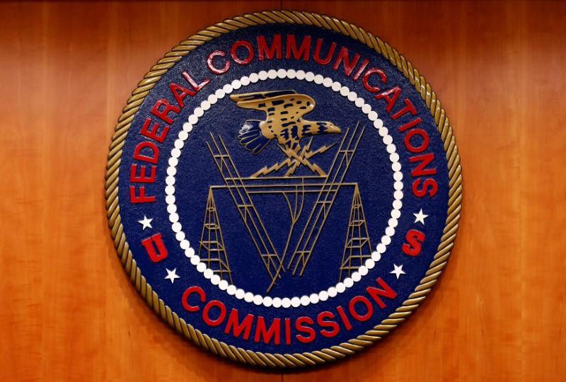 Senate approves bill in bid to retain U.S. net neutrality https://t.co/q7aspd73WE https://t.co/0guiL0hCiD