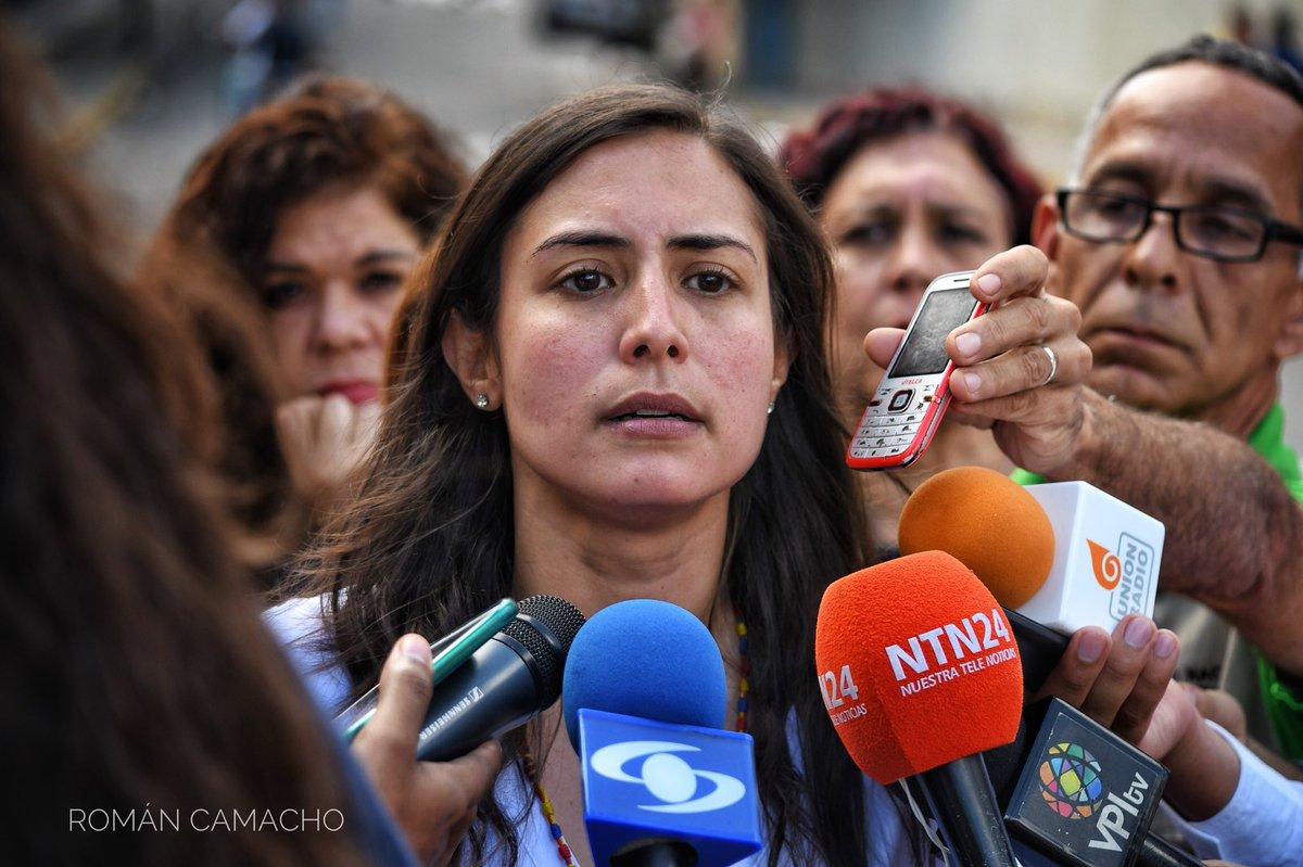 NoVolveran - AGRESIONES CONTRA VENEZUELA, EL ALBA Y UNASUR - Página 7 DdXG5WdW0AAvyfq
