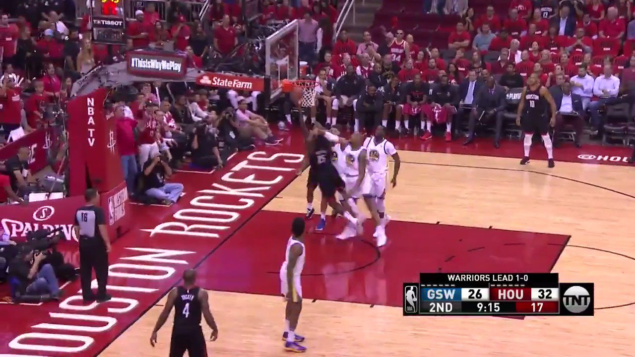 CP3 drops it off to Capela for the and-1!  #Rockets @NBAonTNT https://t.co/eQbs4TEl1l