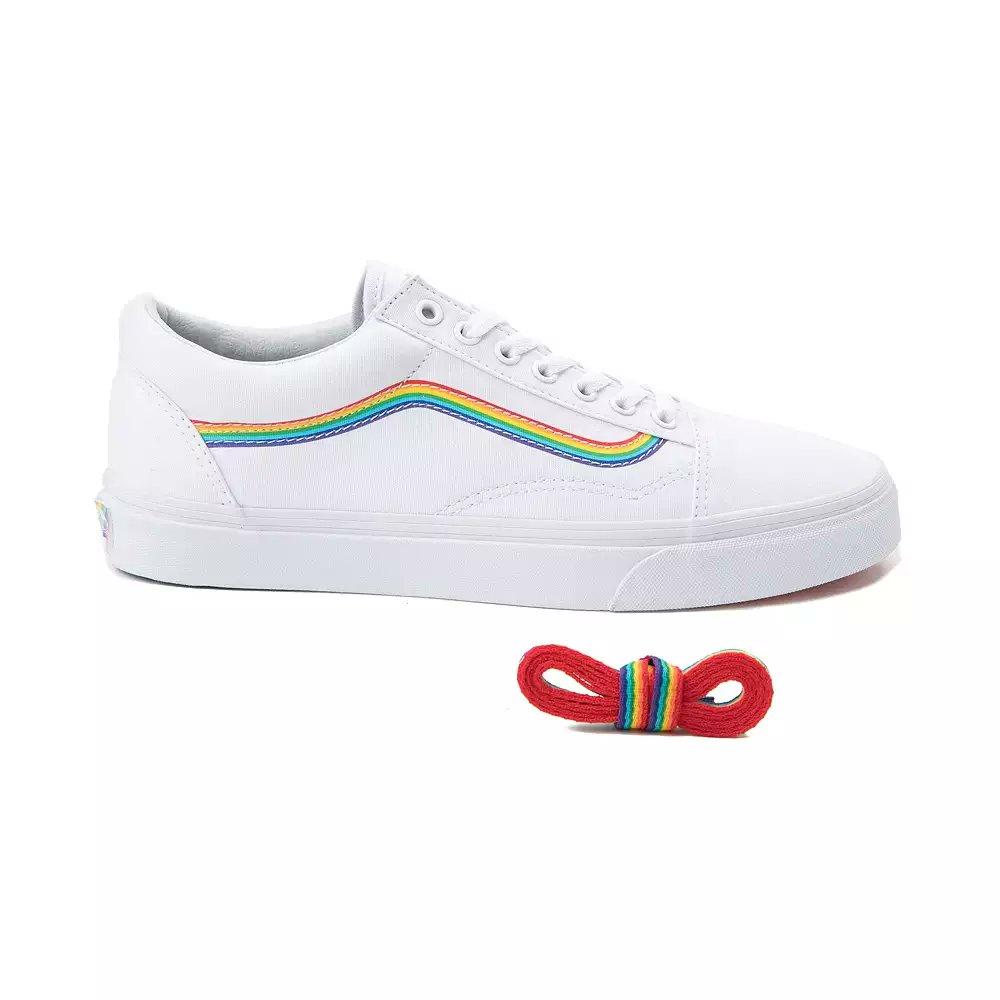 https   bit.ly 2k3XPM8  vans  oldskool  LGBTQ  pride   rainbowpic.twitter.com 2UrFad2pg3 ba2dc4e0d