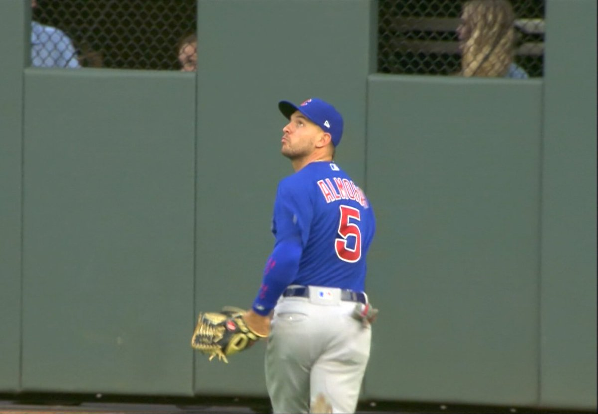 Anatomy of a Great Catch by @albertalmora @Cubs #Cubs @NBCSCubs @MLB BALL - WALL - BALL ....... SORRY (NOT SORRY)