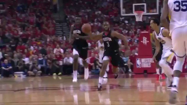 Chris Paul shows off the handle & fires it over to PJ Tucker for 3 in tonight's #AssistOfTheNight! #Rockets https://t.co/5RTjwScfue
