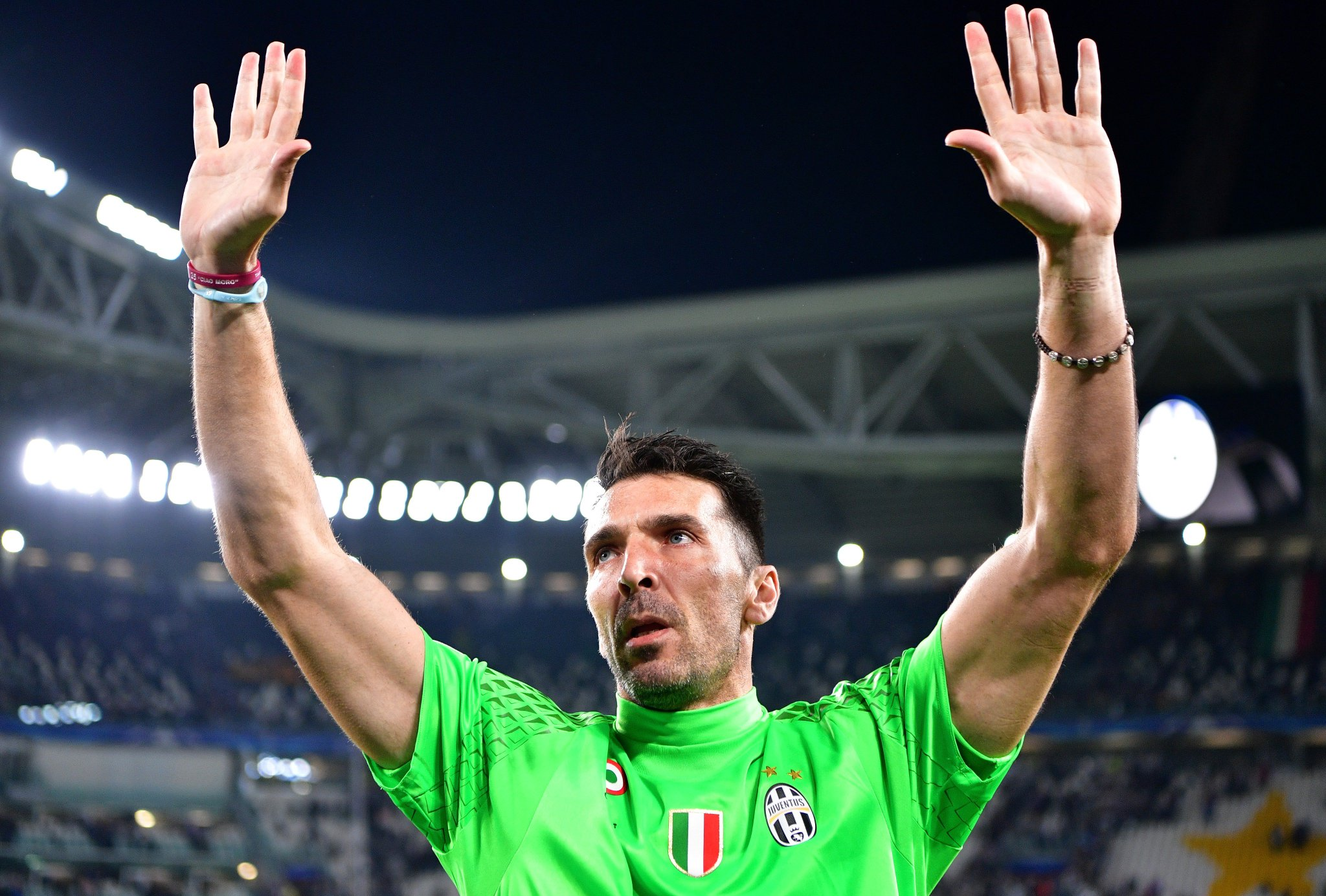 Gianluigi Buffon has confirmed that he will leave Juventus at the end of the season after 17 seasons. ⚫️⚪️   #UCL https://t.co/R9n4Oeos5e