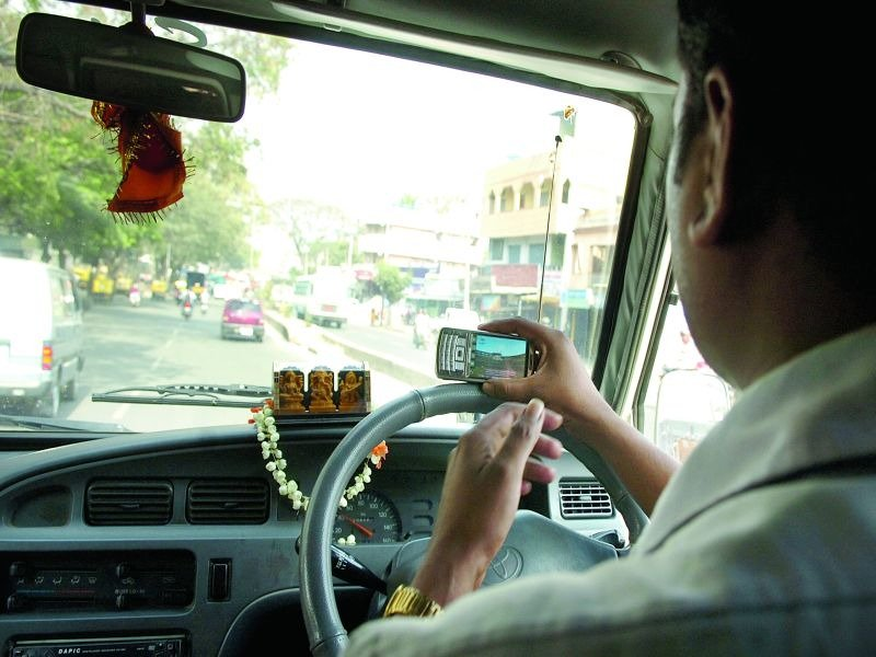 Kerala HC: No law bars use of phone while driving https://t.co/vRCVX4L0Fk via @TOICitiesNews https://t.co/SwmyPRipWo