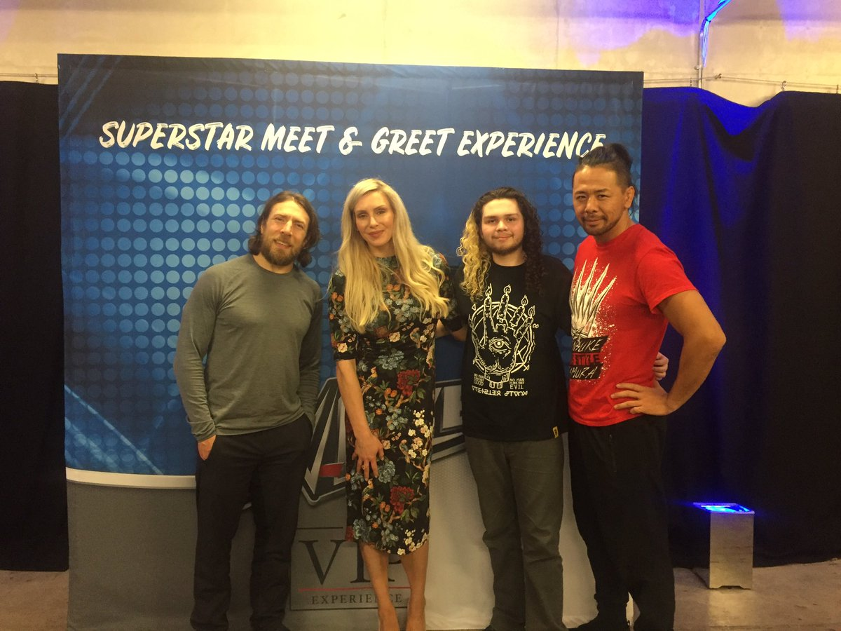 #WWELiverpool It was great to meet @WWEDanielBryan and @ShinsukeN for the first time, and it was nice to meet @MsCharlotteWWE again, thanks for an amazing night! 😊