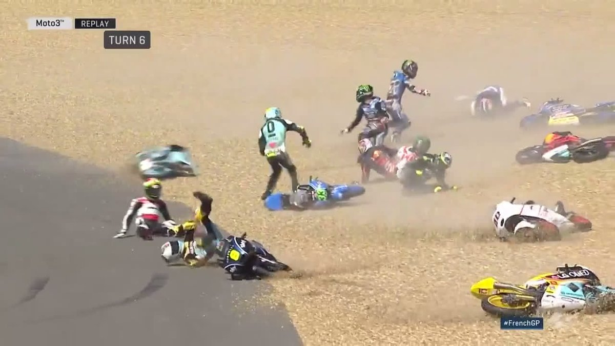 Chaos in the #Moto3 race at Le Mans, 2017 French Grand Prix 🙈 (Video: @MotoGP)