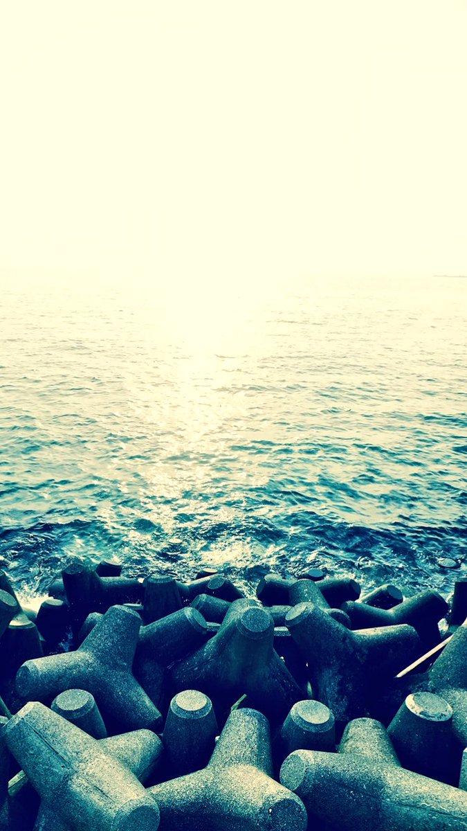 レグまる On Twitter いい感じにiphoneの壁紙になりそうな内浦の海