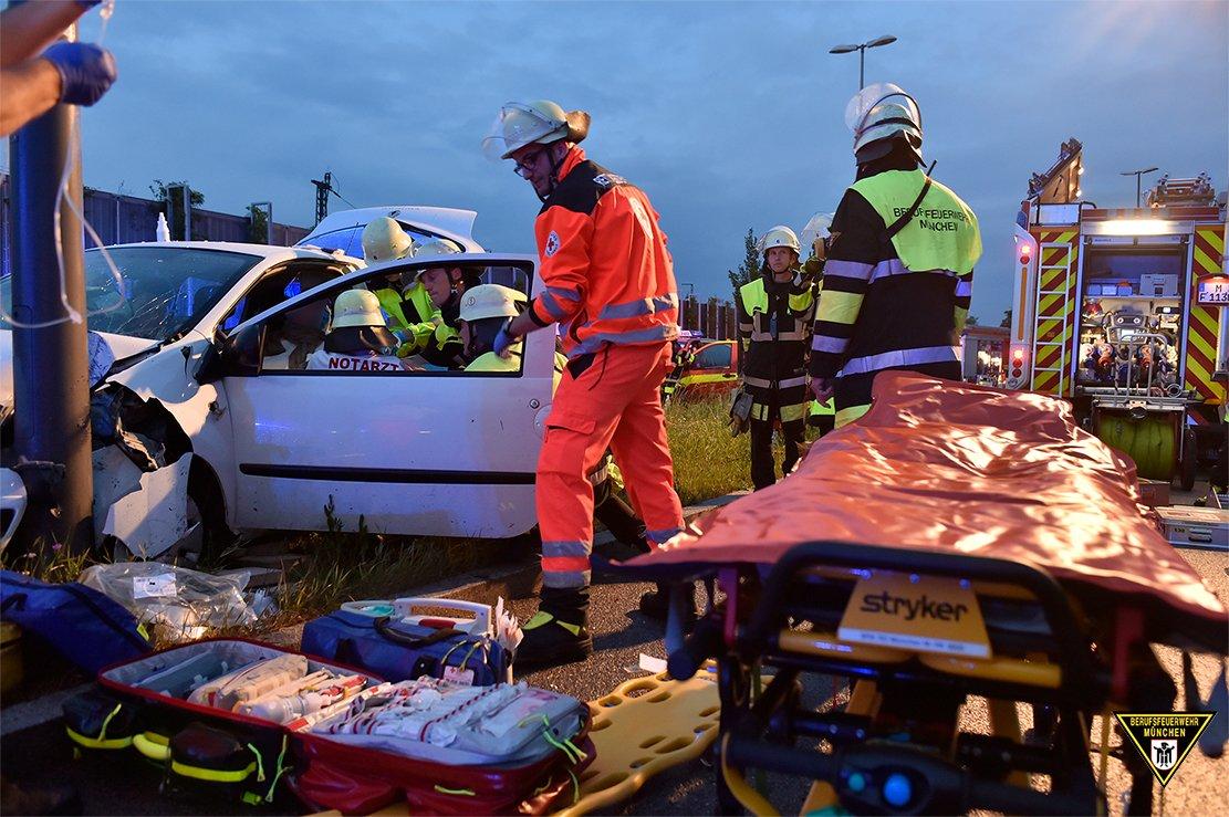 Nett Beispiele Für Autounfall Berichtsvorlagen Fotos - Schaltplan ...