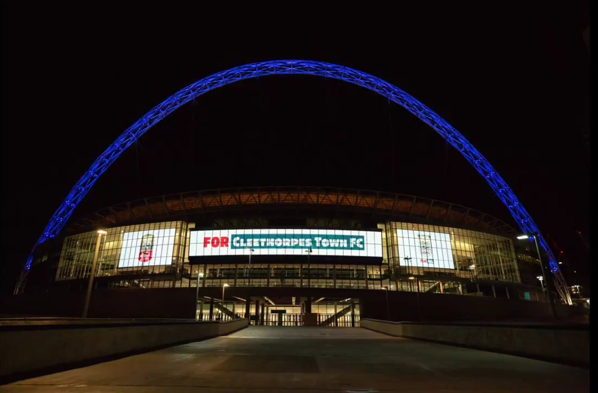 Nice to see our local teams light up Wembley. #GTFC @CleeTownFC #OneBoro #UpTheOwls