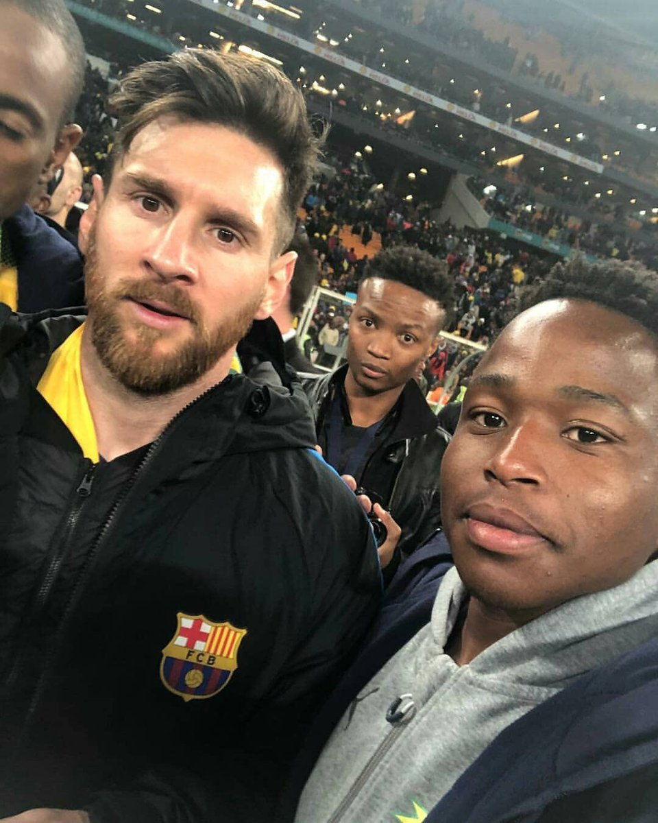 #Messi with fans  #SundownsBarça #WeAreMessi<br>http://pic.twitter.com/vmsFVQCPaF