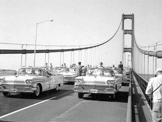 1958 : The First Governor's Walk Across the Mackinac Bridge