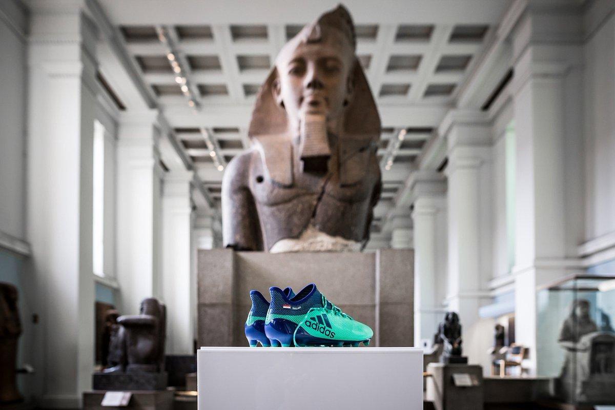 Museu Britânico expõe chuteiras de Salah ao lado de artefatos do Egito antigo https://t.co/45TMPLpzSE