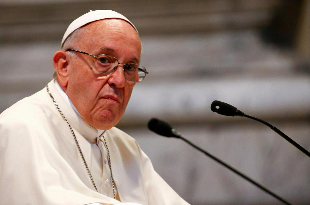 Pope tells bishops not to accept gay seminarians: report https://t.co/HZv461TBTw https://t.co/WlPvQLHFH3
