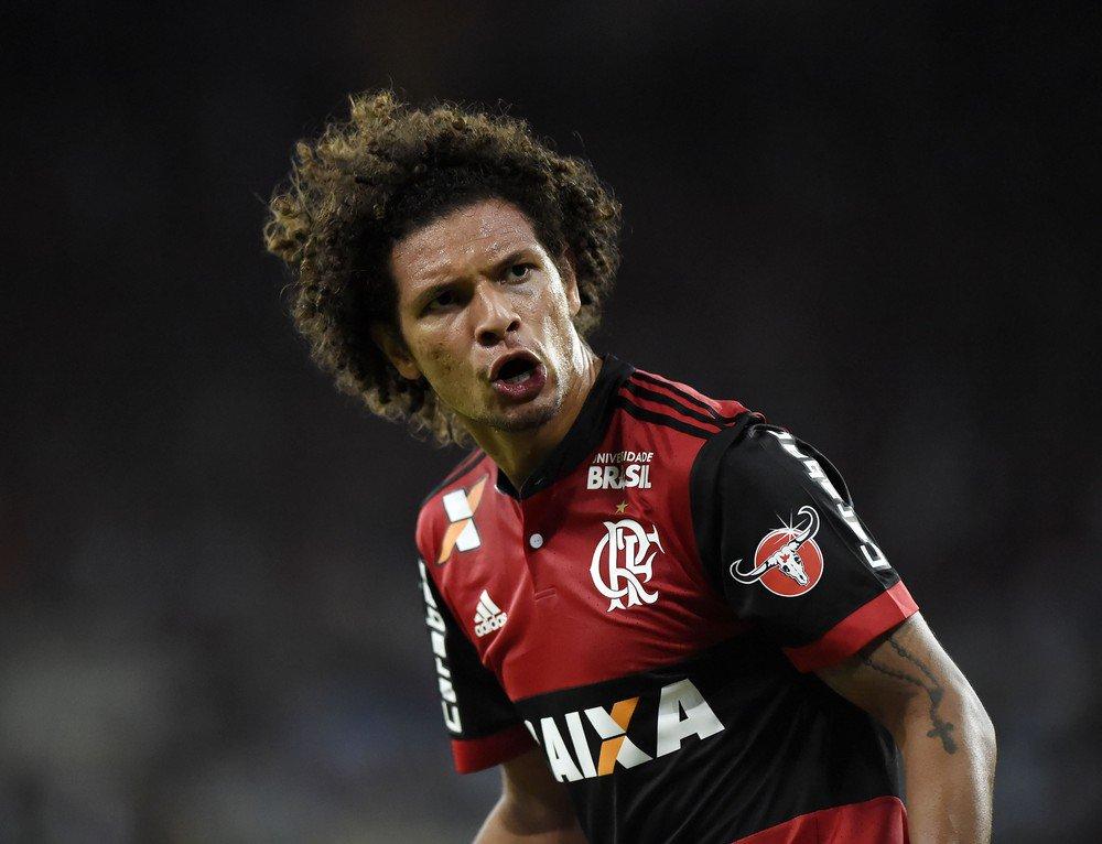 Sem espaço no Flamengo, volante Willian Arão entra na mira do Inter: https://t.co/elbpywrTND  #NossoFutebol