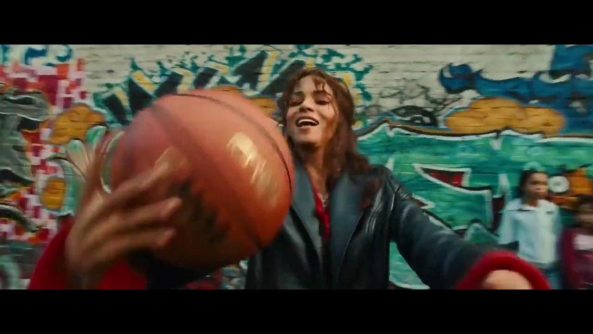 Lights Camera Pod On Twitter The Basketball Scene From Catwoman Is The Worst Movie Scene Of All Time