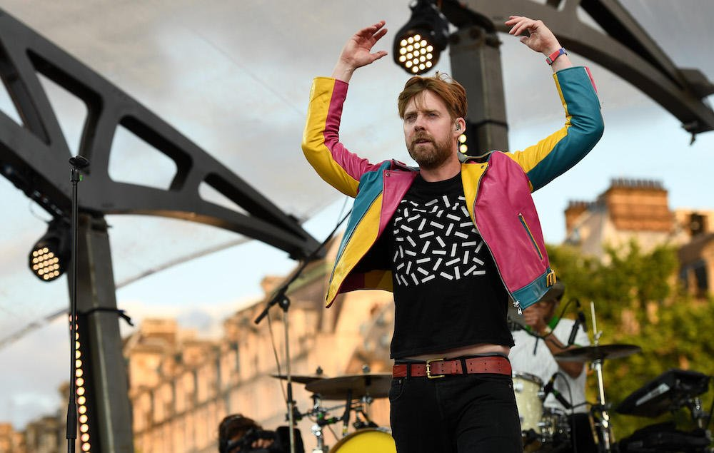 .@KaiserChiefs warn fans not to accept Facebook friend requests from Ricky Wilson https://t.co/NYtNIb6gE1 https://t.co/T4TOMrYm1e