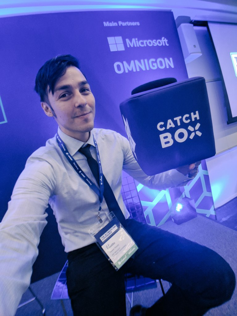 Hands down my favorite part of this conference was the #CatchBox a plush cube microphone designed to be thrown into audience for Q and A&#39;s #Brilliant #LeadersWeek <br>http://pic.twitter.com/FzAVgHwGfZ &ndash; à Microsoft