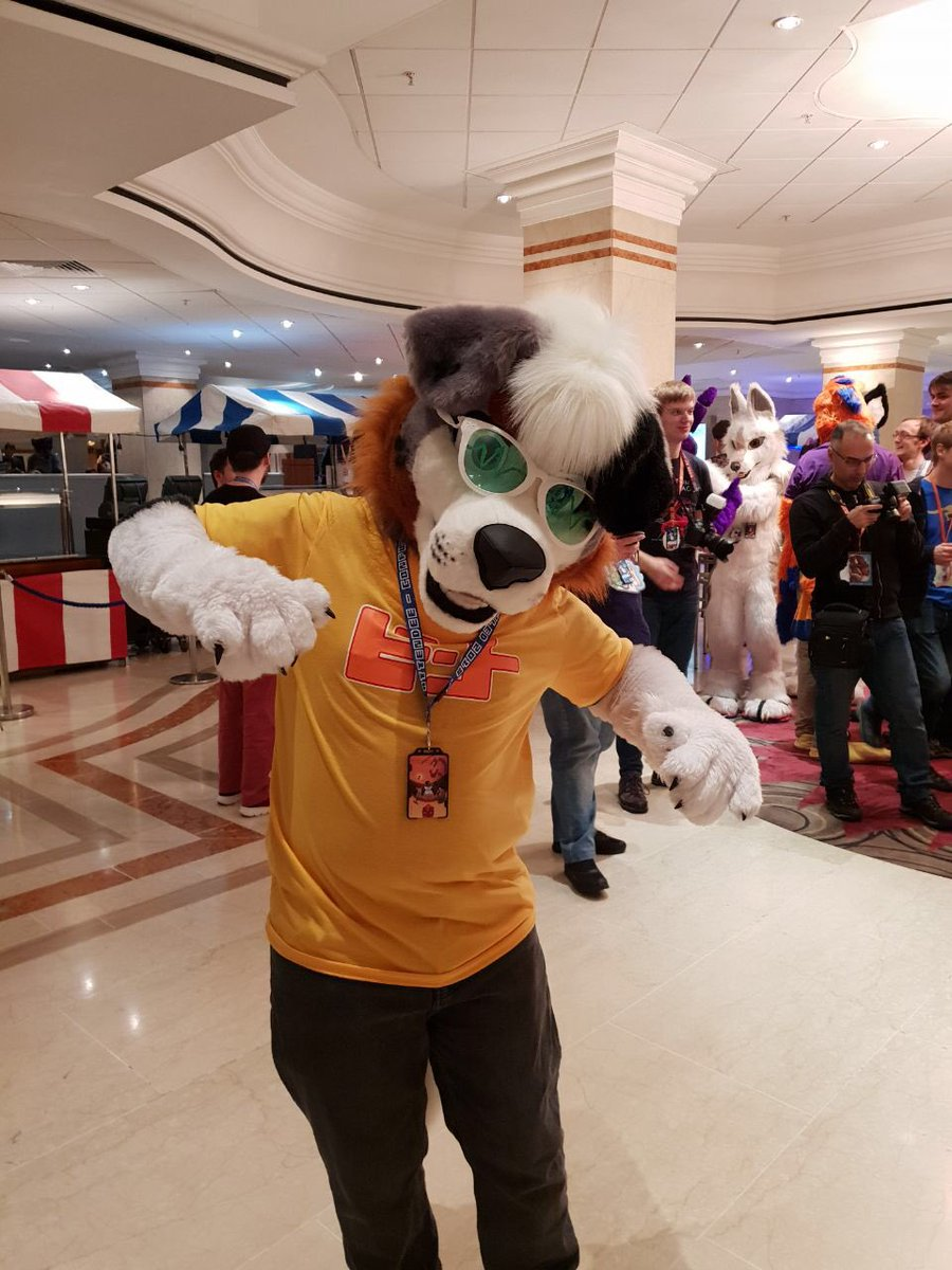 CFz costume! He's a sweet soul brother! Sweet sweet sweet!  ( @shadow_raccoon)<br>http://pic.twitter.com/XEmEcjnsd6
