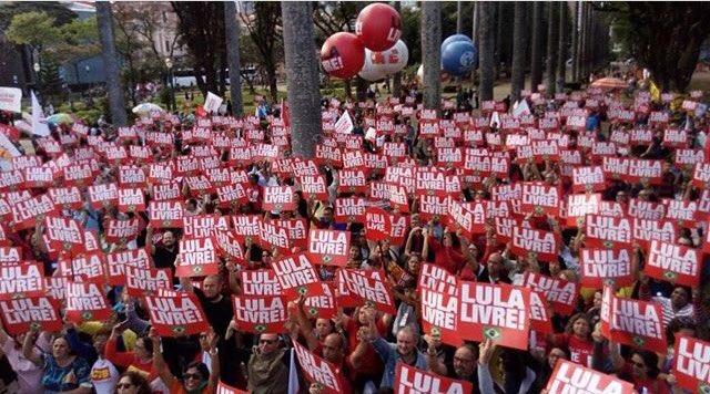 #BH - Marcha do Congresso Popular de Educação quecomeça hoje e  reúne educadores de todo o Brasil.