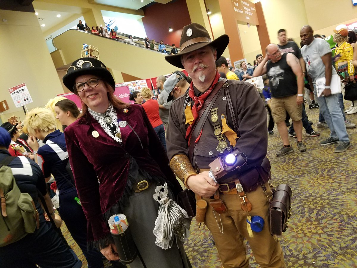 Once upon a time in the West... at Phoenix Comic Fest! #PCF2018 #PCF #steampunk