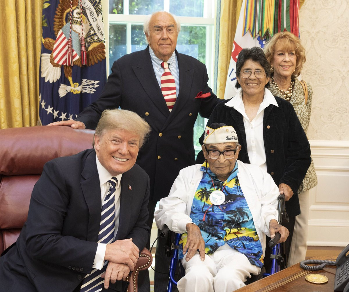 Today, @POTUS @realDonaldTrump welcomed 106-year-old Pearl Harbor veteran Ray Chavez of Poway, California to the @WhiteHouse. Chavez is the oldest living Pearl Harbor veteran. instagram.com/p/BjLSyRLgIQE/