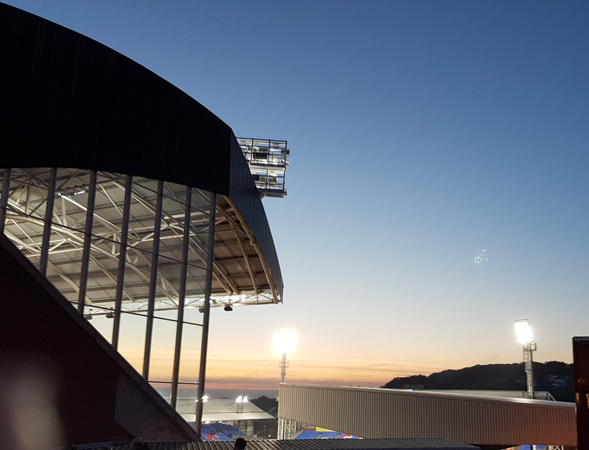The sun sets over Selhurst and the season  #cpfc   Collected from people off here. Beautiful  <br>http://pic.twitter.com/AEopLvw785