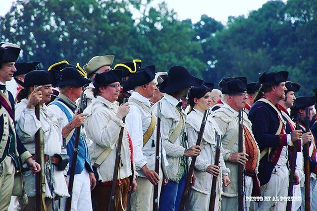 Even in the blistering heat we stand out ground #revolutionarywar #patriots #reenactment https://t.co/xJ3PeP1Flf