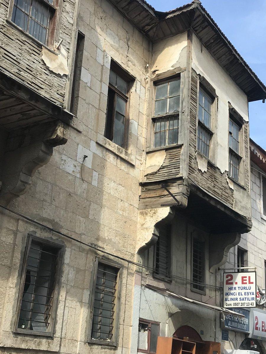 @Seda_Ozen @imranien @Tika_Turkey Mersin /Silifke taş bingi üzerine bağdadi usül ahşap cumba