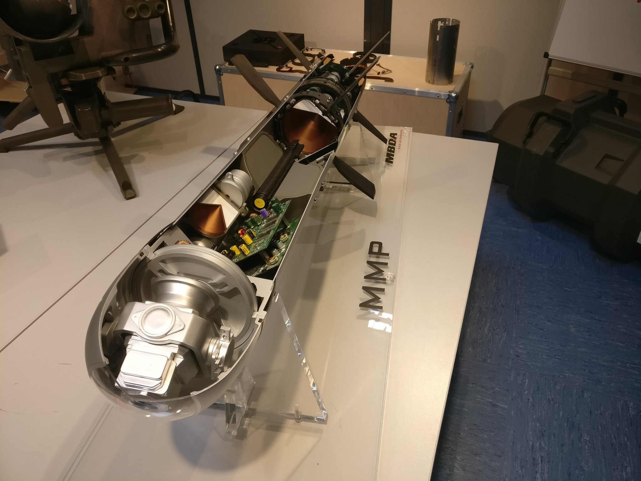 DdaQc6-WAAAb7nC.jpg:large