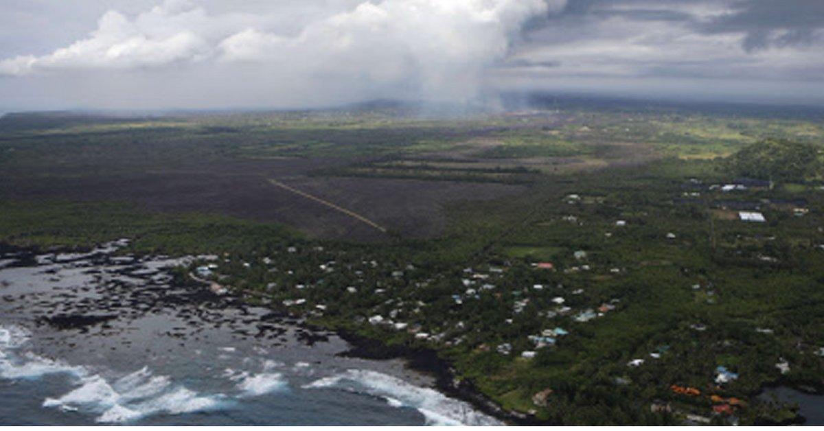 Explosive eruption rocks Hawaii's Kilauea volcano: USGS https://t.co/AqADaHeTmK via @TOIWorld https://t.co/o3xqyU9dDP