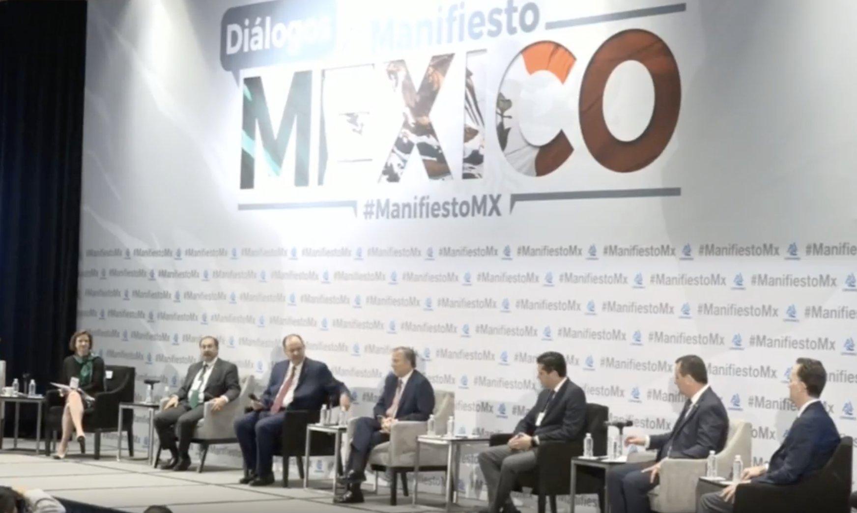 """#EnVivo. Foro """"Diálogos #ManifiestoMX"""", organizado por la @Coparmex. Sigue la transmisión en https://t.co/U1OlKSIBge https://t.co/OFxbUgRnrd"""