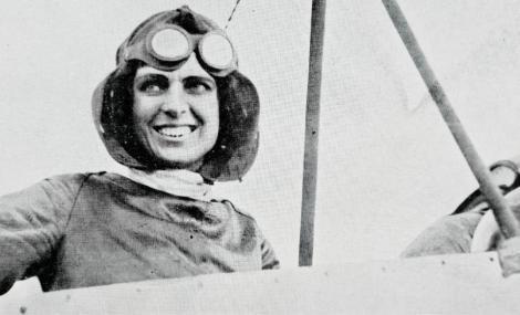 1911 : Michigan Aviator Becomes First Licensed Female Pilot in U.S.