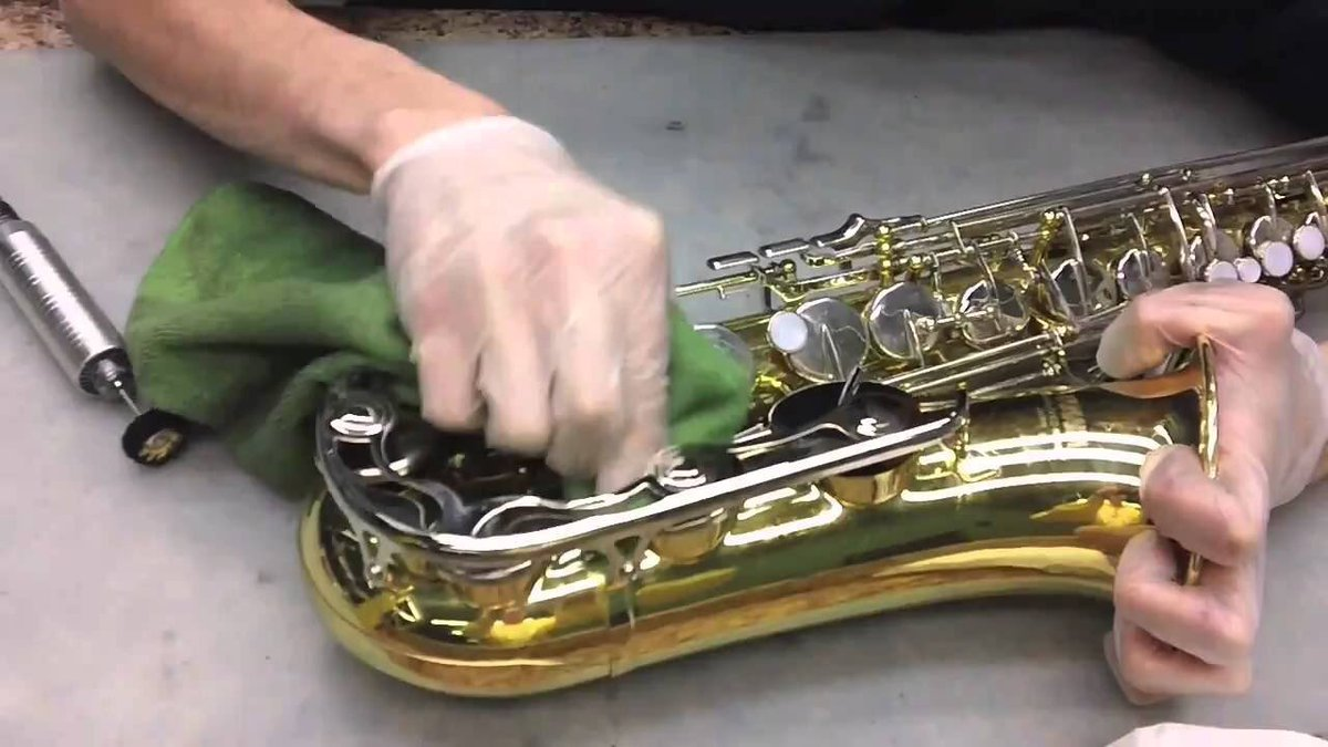 When I get that feeling I need saxophone cleaning